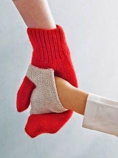 Baby Knitting Pattern Gift ideas mums will LOVE Baby Knitting Patterns, Free Knitting, Crochet Patterns, Knitting Ideas, Christmas Knitting Patterns, Knit Mittens, Knitted Gloves, Baby Mittens, Mittens Pattern