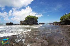 Sebelum mengunjungi Pura Tanah Lot, nikmati keindahan bawah laut di area Sanur dengan seawalker. More info: http://fantasticbali.com/paket-wisata/sea-walker-dan-tanah-lot-tour.htm