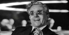 Peter Sellers, actor y masón Richard Henry Sellers (su nombre verdadero) nació el 8 de septiembre de 1925 en Southsea (Inglaterra), en el seno de una familia dedicada al teatro cómico. En 1951 consiguió debutar en el cine británico