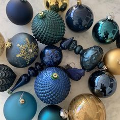 midnight allure My Christmas Turquoise Christmas, Silver Christmas Decorations, Gold Christmas Tree, Colorful Christmas Tree, Christmas Tree Themes, Rustic Christmas, Christmas Tree Colour Scheme, Christmas Colors, Christmas Tree Inspiration