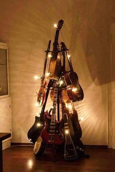 Unique: Guitar Christmas Tree