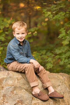 A fun Chattanooga fall mini photo portraits session with an adorable family! Photographing Boys, Mini Photo, Family Portraits, Ideas Para, David, Children, Photography, House, Photo Sessions