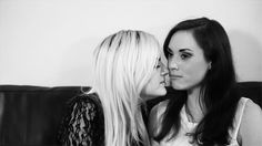 Rose And Rosie, Cute Lesbian Couples, Kingdom Of Great Britain, Rare Pictures, Cute Fall Outfits, Celebs, Celebrities, Girls In Love, True Beauty