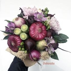 Fruit bouquet centerpiece edible arrangements ideas for 2019 Edible Centerpieces, Edible Bouquets, Edible Arrangements, Flower Box Gift, Flower Boxes, Deco Floral, Arte Floral, Food Bouquet, Diy Bouquet