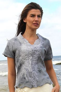 Felted blouse grey silk merino wool Regina Doseth handmade in Lithuania EU Boro, Clothing Boxes, Summer Tunics, Feminine Dress, Summer Outfits Women, Mode Vintage, Grey Fashion, Wool Felt, Blouse Designs