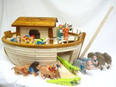 HOLTZTIGER GERMANY HANDCRAFTED WOOD NOAH'S ARK TOY w/ANIMALS NEW FAO SCHWARZ
