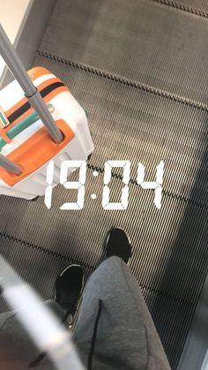 New Travel Fashion Airport Posts 34 Ideas Ideas De Instagram Story, Creative Instagram Stories, Travel Pictures Poses, Travel Photos, Travel Ideas, Travel Tips, Snapchat Stories, Fake Photo, Insta Photo Ideas