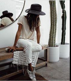 girl fashion simple white minimalism tan