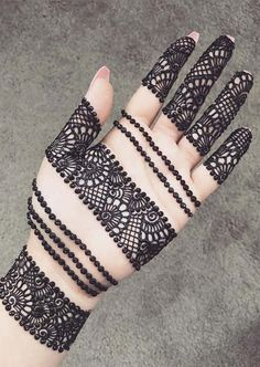 Explore latest Mehndi Designs images in 2019 on Happy Shappy. Mehendi design is also known as the heena design or henna patterns worldwide. We are here with the best mehndi designs images from worldwide. Mehndi Designs Front Hand, Mehndi Designs Finger, Latest Arabic Mehndi Designs, Legs Mehndi Design, Mehndi Designs For Beginners, Mehndi Designs For Girls, Mehndi Design Photos, Mehndi Designs For Fingers, Beautiful Mehndi Design