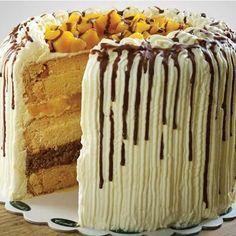 I finally challenged myself into creating a copycat of the Mango Bravo cake of Conti's Bak. Mango Graham Cake, Mango Cake, Mango Bravo Recipe, Heart Of Mary Recipe, Cupcake Recipes, Cupcake Cakes, Cupcakes, Graham Balls, Mango Recipes