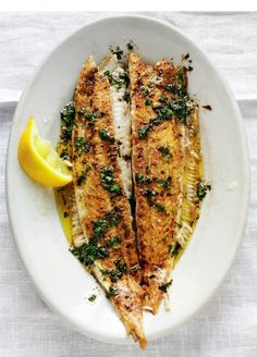 Dover Sole a la Meunière - The dish gets its name from the light dusting of flour the fish is given before frying. http://thehappyfoodie.co.uk/recipes/dover-sole-a-la-meuniere