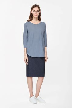 Relaxed shadow blue cotton top COS summer 2015 #summertype #zomertype