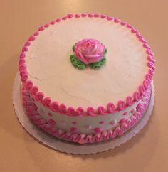 Eight inch round white cake #wedekingsbakery