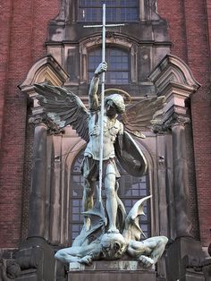 The Archangels oversee and guide Guardian Angels who are with us on earth. The most widely known Archangel Gabriel, Michael, Raphael, and Uriel. St. Michael Tattoo, Archangel Michael Tattoo, Chateau Saint Ange, Statue Ange, St Micheal, Michael Church, Guardian Angels, Religious Art, Sculpture Art