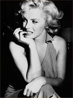 ccddbd2c82 definiton of beauty Audrey Hepburn, Marylin Monroe Pictures, Marilyn Monroe  Style, Marilyn Monroe
