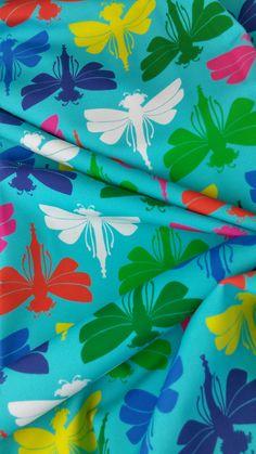 Lila-Lotta Design als Badelycra Stoff (Polyamid Elasthan) bei www.Stoff-Schmie.de