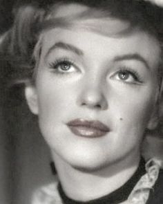 Marilyn Monroe Makeup, Norma Jean Marilyn Monroe, Marilyn Monroe Quotes, Golden Age Of Hollywood, Old Hollywood, Messy Hair Up, Star Wars, Famous Movies, Norma Jeane