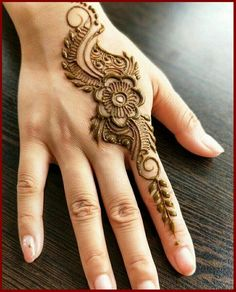 Mehndi design makes hand beautiful and fabulous. Here, you will see awesome and Simple Mehndi Designs For Hands. Henna Hand Designs, Mehndi Designs Finger, Mehndi Designs 2018, Mehndi Designs For Beginners, Mehndi Designs For Girls, Modern Mehndi Designs, Mehndi Design Photos, Mehndi Designs For Fingers, Beautiful Henna Designs
