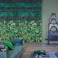 Arjuna Leaf by Designers Guild - Viridian - Mural : Wallpaper Direct Designers Guild Wallpaper, Designer Wallpaper, Wallpaper Panels, Pattern Wallpaper, Estilo Tropical, Belle Plante, Boutique Deco, Glitter Wallpaper, Burke Decor