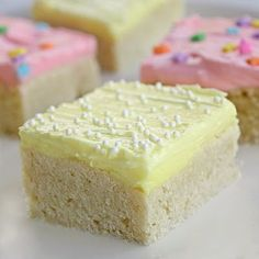 sugar cookie bars! I want to try these, i hate to make reg sugar cookies but love to eat them!
