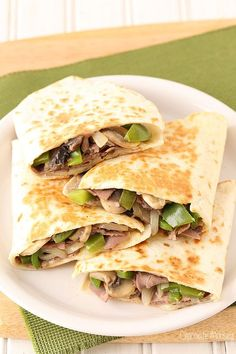 These Philly Cheesesteak Quesadillas packed full of deli roast beef, peppers, mushrooms, and onions are a quick and easy way to get your cheesesteak fix in 30 minutes. Get the recipe at www.chocolatemoosey.com @chocolatemoosey