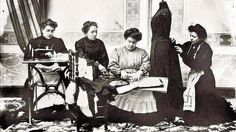 Modistas invisibles del siglo XIX. En la SEGUNDA MITAD del siglo XIX APARECIÓ en toda su plenitud la MODA, en el sentido moderno del término. Hasta entonces había moda en general y es a partir de mitad de este siglo cuando aparece la ALTA COSTURA ( a medida) y CONFECCIÓN. Las mujeres no lo tuvieron fácil para triunfar como modistas.