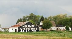 """ Meramec Cavern Barn "" in Pontiac Illinois  http://route66jp.info Route 66 blog ; http://2441.blog54.fc2.com https://www.facebook.com/groups/529713950495809/"