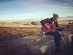 Musik Wein & Sonnenschein! Die perfekte Kombination! && =  Oder?  #vaud #waadt #wein #wine #enjoy