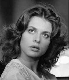 Nastassja Kinski on the set of La Lune Dans le Caniveau (The Moon in the Gutter), directed by Jean-Jacques Beineix Most Beautiful Faces, Beautiful People, Beautiful Women, Classic Beauty, Timeless Beauty, Divas, Nastassja Kinski, Still Love Her, Celebrity Photography