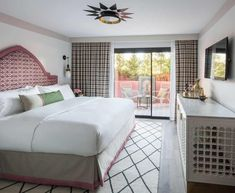 7 Attainable Tips To Make Your Bedroom Feel Like Your Favorite Hotel - Emily Henderson #bedroomdecor #budgetfriendly #homedesign