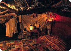 Bedroom under the trees and stars, just like a gypsy...