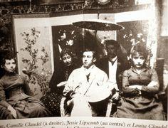 Louise Claudel (à gauche),Jessie Lipscomb (au centre) et Camille Claudel (à droite) dans l' atelier de la rue Notre-Dame-Des-Champs, Paris,1887