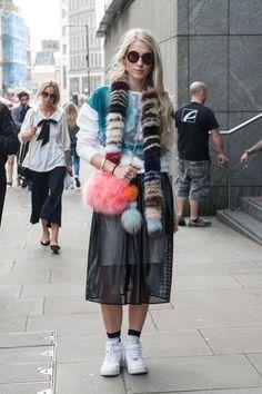 Street style: London Calling >> http://www.elle.rs/stil/street-style/10374-street-style-london-calling.html