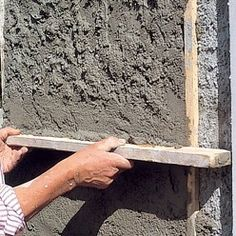 How to apply a coating - door Plaster Walls, Laminate Flooring, Facade, Concrete, Cement, Home Improvement, Layers, How To Apply, Tools