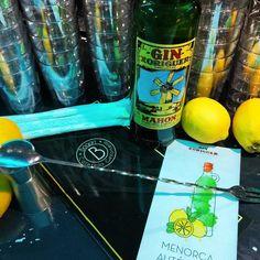 Ya se instaló la pomada en #mula @xoriguergin San Pellegrino, Beverages, Drinks, Gin And Tonic, Soda, Canning, Entryway, Drinking, Beverage