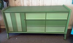 Mid century Dresser painted with Dixie Belle Chalk Mineral Paint Colors Kudzu and Mint Julep