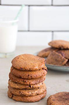 Spelt & Rye Dark Chocolate Chip Cookies - DeliciouslyElla