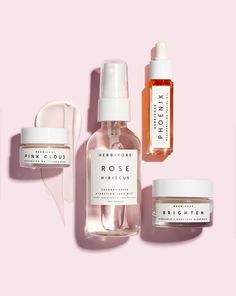 The HYDRATE + GLOW Mini Natural Skincare Routine set is formulated for skin in need of deep hydration. Features Pink Cloud Moisture Creme, Brighten Glow Mask, Phoenix Facial Oil and Rose Hibiscus Hydrating Mist. Natural Beauty Tips, Natural Skin Care, Natural Oils, Natural Hair, Natural Glow, Natural Health, Beauty Care, Beauty Hacks, Diy Beauty