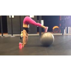hunnybunsfit's video on Instagram