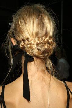 Erdem SS17 Hair and
