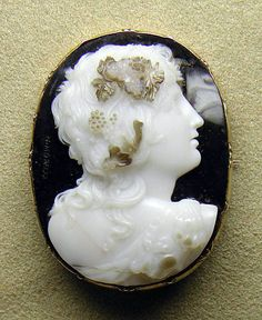 Onyx cameo pin 1820–38, Italian - in the Metropolitan Museum of Art costume collections.