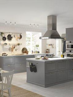 Grey kitchen ideas in 2019 grey kitchen designs, grey kitchens, kit Kitchen On A Budget, New Kitchen, Kitchen Dining, Kitchen Decor, Kitchen Cabinets, Kitchen Ideas, Gray Cabinets, Kitchen Walls, Kitchen Curtains