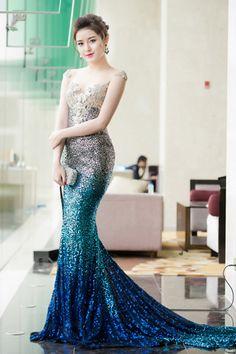 Beautiful Girl Image, Beautiful Asian Women, Beautiful Models, Asian Fashion, Girl Fashion, Fashion Dresses, Ball Dresses, Ball Gowns, Pretty Dresses