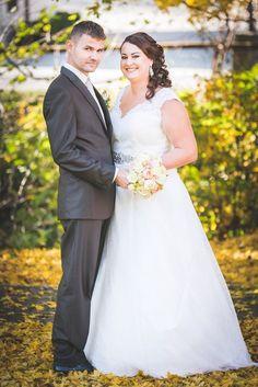 svadba-mp-64 Wedding Dresses, Fashion, Lounges, Bride Dresses, Moda, Bridal Gowns, Fashion Styles, Wedding Dressses
