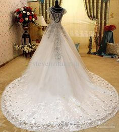 2013 bling wedding dresses | ... Crystals Wedding Dresses Cathedral Train Bling Bling Bridal Gowns