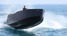 D23 De Antonio Yachts