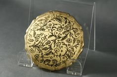 Vintage Stratton Powder Compact Gold Tone Embossed Floral late 40s 50s