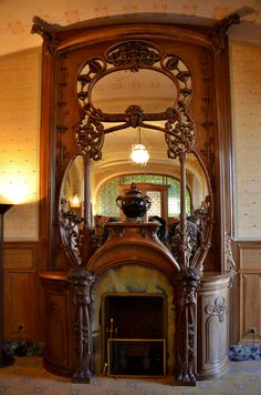 Art nouveau fireplace in the Villa Demoiselle, Reims