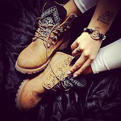 http://www.fashiontrendstoday.com/category/timberland/ Timberland boots Hot Shoes, Crazy Shoes, Shoes Heels, Me Too Shoes, Bling Shoes, Sneaker Boots, Bootie Boots, Heeled Boots, Shoe Boots