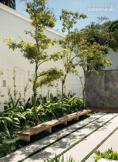 em São Paulo é cheia de patamares e possui um lindo jardim